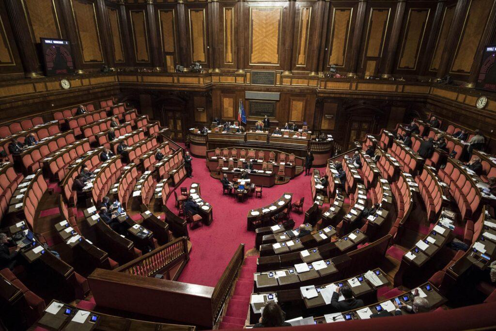Stato dei comuni il 22 i sindaci a montecitorio c 39 la for Camera dei deputati in diretta